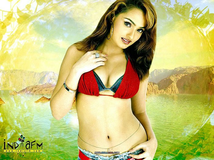 Indian girl sexy wallpapers