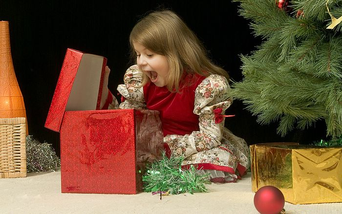 Photo: Lovely Kids At Christmas, Kids' Christmas Fun 18 - Wallcoo.net