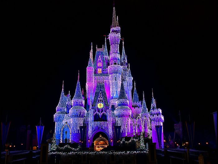 Walt Disney Christmas Wallpaper.Cinderella Castle Christmas Lightnings Picture 1920 1600
