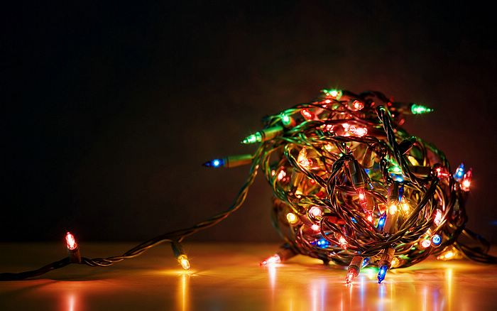 A tangled ball of Christmas lights Picture 17 holidaylights9 ...