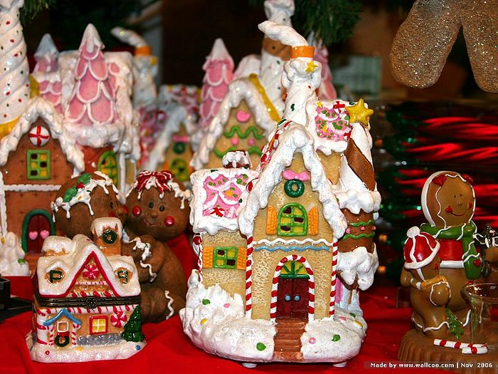Christmas gingerbread house wallpaper - Houses decorated ...