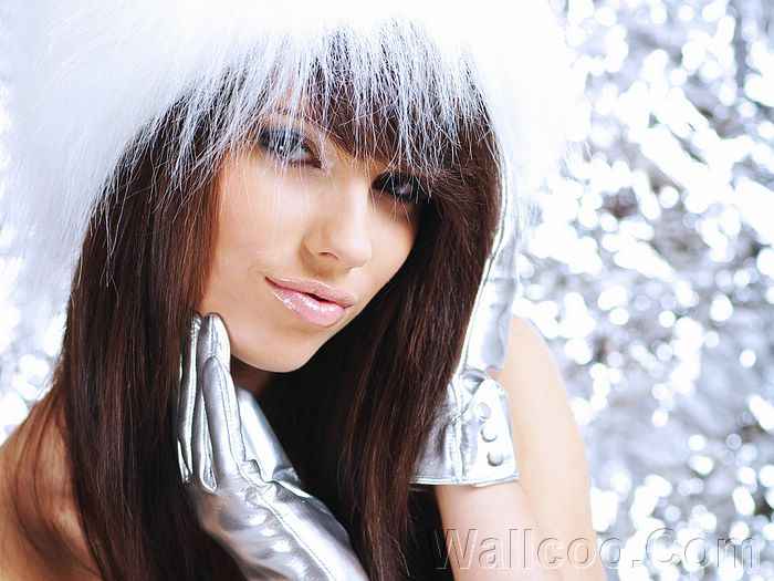 HD Wallpapers of Santa Girsl in Christmas, winter girls photo, Snow girl