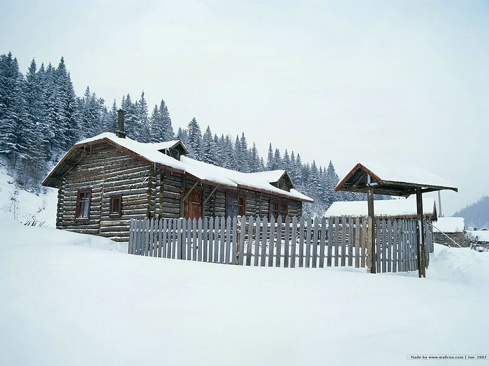 Snow covered village wallpapers - Snowcovered village house 7