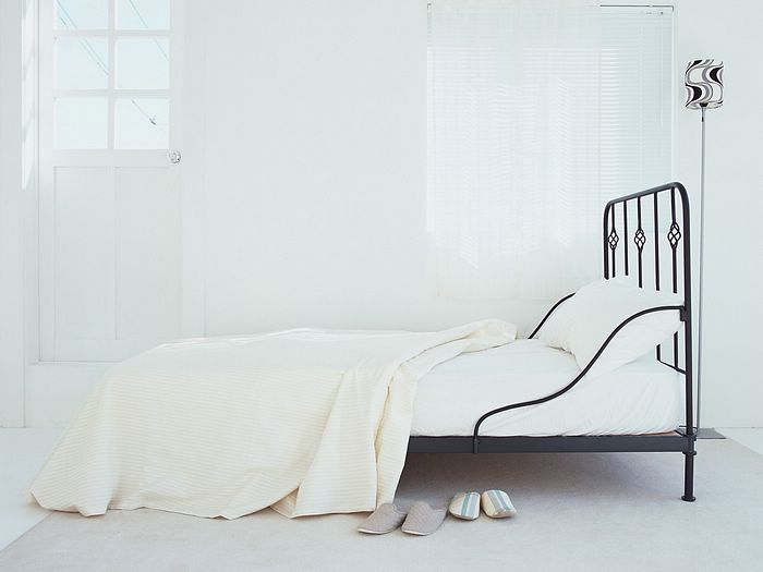 White Bedroom Simple And Clean Living Space Photo 48 Wallcoonet Fascinating Simple White Bedroom Interior