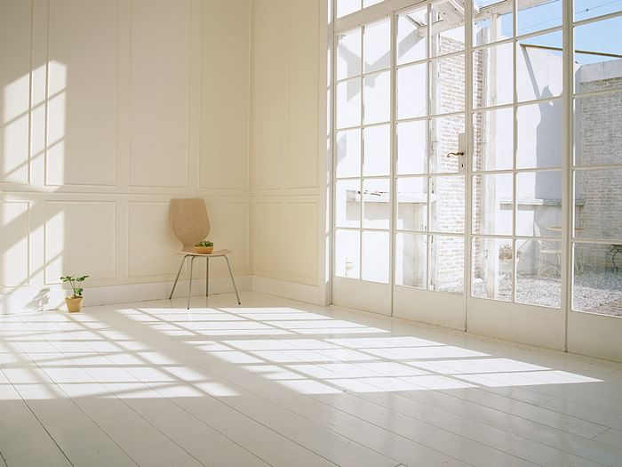 Sunlight in living room simple and clean living space photo 1600 1200 30 - Home interior design photos for small spaces design ...