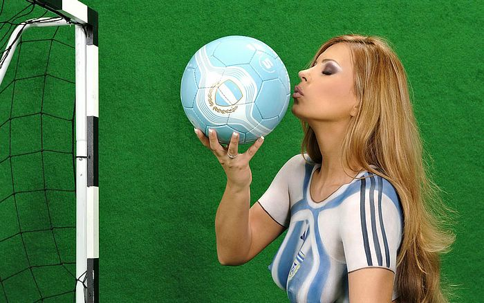 ... World cup team Jersey in Body Painting, WORLD CUP BODY PAINT Photos